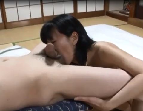 Sex with slender mature woman